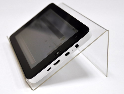 7%20inch-android%202_2-8GB%20512MB-camera-GPS-3G-Capacitive%20screen-able%20to%20call_02